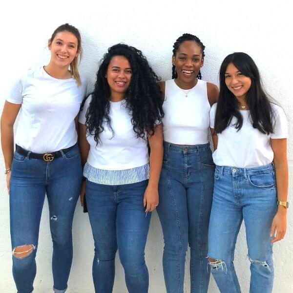 Body Positivisme femmes souriantes et naturelles