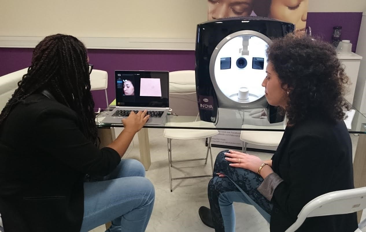 Diagnostic de peau avec OYA SKIN DIAG 360°